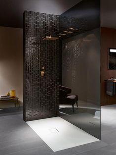 Villeroy & Boch biedt verschillende soorten ultravlakke douchevloeren aan in verschillende materialen: acryl, keramiek en Quaryl.