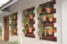 Jardim vertical com madeira