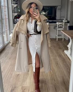 Winter date outfit Winter Date Outfits, First Date Outfits, Club Outfits, Short Outfits, Black Leather Pencil Skirt, Pencil Skirt Outfits, Going Out Outfits, Who What Wear, Dress To Impress