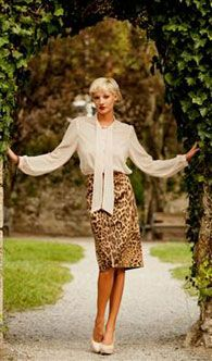 С чем носить платье в стиле 60-х