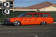 Flamed two tone paint job Kustom Low-Rodder Impala Wagon Buick Wagon, Car Station, Motorcycle Paint Jobs, Chevy Girl, Sweet Cars, Chevrolet Impala, American Muscle Cars, Hot Cars, Classic Cars