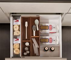 Kitchen drawer inserts are the perfect solutions to separate your cooking tools. Snaidero Passepartout is the functional storage solution to help organize your kitchen drawer, cabinets and pantry. #SnaideroUSA