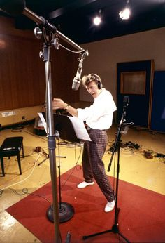 David Bowie recording the soundtrack to Labyrinth in 1985