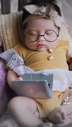 Celebrity Baby Names, Celebrity Babies, Celebrity Photos, Newborn Photo Props, Newborn Photos, Coffee Pictures, Coffee Pics, Baby Girl Names, Newborn Photography
