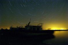 """Van'da göktaşı yağmuru gözlendi.  Halk arasında """"yıldız kayması"""" olarak bilinen göktaşı yağmurunun en yoğun olanlarından Perseid, Van Gölü sahillerinde de gözlendi."""