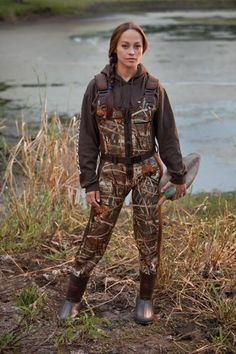 Women's Waders by She Apparel - Women's Duck Hunting Waders. Your best source for Women's Waterfowl Waders by She Outdoor Apparel Waterfowl Hunting, Hunting Camo, Hunting Girls, Hunting Stuff, Womens Hunting Clothes, Hunting Outfits, Women Hunting, Hunting Stores, Hunting Dogs
