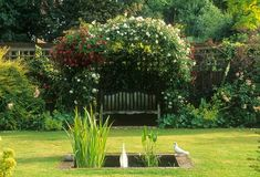 Country Garden by Judith Sharpe - click to close  © Harpur Garden Images