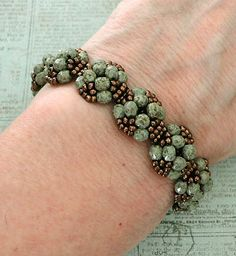 Linda's Crafty Inspirations: YouTube Beading Tutorial - XOXO Bracelet