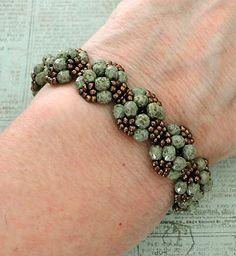 Linda's Crafty Inspirations: YouTube Beading Tutorial - XOXO Bracelet