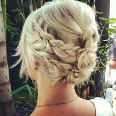 Two braids on each side, wrapped around mini buns, adorable hippie hair hair-styles-braids-updos-etc Date Hairstyles, Pretty Hairstyles, Braided Hairstyles, Braided Updo, Wedding Hairstyles, Easy Updo, Bun Updo, Bun Braid, Simple Updo