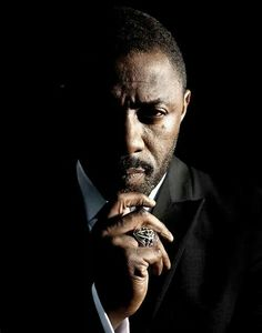 Idris Elba he could be a pretty badass james bond Studio Portrait Photography, Photographie Portrait Inspiration, Photography Poses For Men, Studio Portraits, Idris Elba, Corporate Portrait, Hommes Sexy, Male Poses, Luther