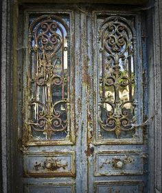 I love old rustic doors, cant wait to have my own home
