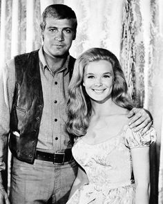 Lee Majors and Linda Evans