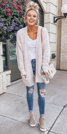 31 Most Popular Fall Outfits to Truly Feel Fantastic – Hi Giggle! 31 Most Popular Fall Outfits to Truly Feel Fantastic – Hi Giggle!,Fall Outfit Ideas Need Style Inspiration for Fall Season. Fall Outfits 2018, Cute Spring Outfits, Casual Fall Outfits, Mode Outfits, Fall Winter Outfits, Autumn Winter Fashion, Simple Outfits, Casual Winter, Outfits With White Shirts