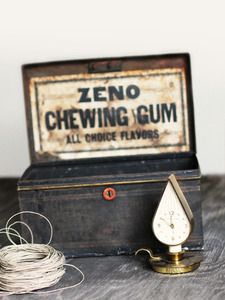 Love this old chewing gum tin...