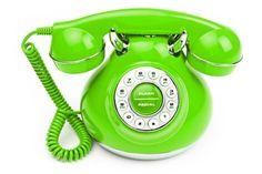 loveliegreenie I WANT THIS GREEN PHONE