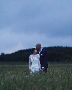 Den vackraste kärleken. En fantastisk ära att få följa er under er stora dag. #septemberhimmel