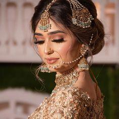 Desi Bridal Makeup, Bridal Makeup Images, Pakistani Bridal Makeup, Bridal Makeup Looks, Indian Bridal, Pakistani Jewelry, Bridal Mehndi Dresses, Asian Bridal Dresses, Wedding Dresses For Girls