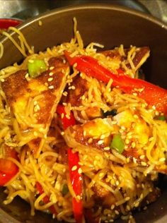 Sesame Noodles with Tofu... and great ideas on this blog