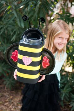 Life With Fingerprints: Bumble Bee Valentine's Day Box...