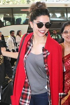 Indian Girls Villa: Deepika Padukone Spotted At Mumbai Airport