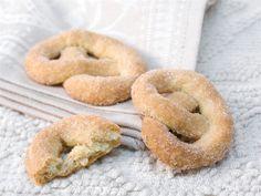 Euran rinkilät tehdään täyteläiseen hiivataikinaan ja kuorrutetaan sokerilla.