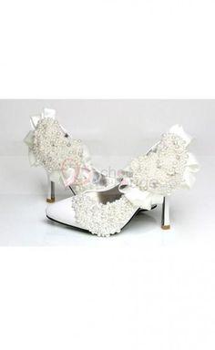 http://www.vestidofiesta.es/accesorio/zapatos-de-noche/zapatos-de-mujer-799.html    composición  Exterior: cuero  Suela: Goma  Altura del taco: 10 cm  Color: Blanco  Tamaño: 34-43     Tabla de correspondencias / tamaños de zapatos