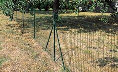 Installation d'un grillage de clôture