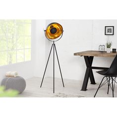 Stojací lampa Silueta 140 cm černá-zlatá