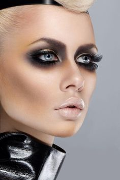 Heavy smoked out eye with a nude lip. Wearable or just editorial? Makeup: Iuliana Sandu  Hair: Bacioi Sergiu