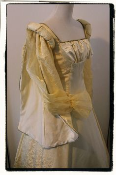 """Buttercup Yellow Satin Tudor Dress Renaissance Game of Thrones Gown Bust 38"""""""