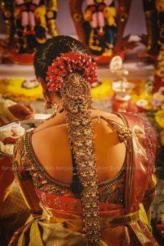 You can find the best wedding photographers, top wedding makeup artists, finest wedding decorators, top wedding planners, bridal stylists & affordable jewellery rentals South Indian Wedding Hairstyles, Bridal Hairstyle Indian Wedding, Bridal Hair Buns, Wedding Hairstyles Half Up Half Down, Bridal Hairdo, Short Wedding Hair, Wedding Hairstyles For Long Hair, Indian Hairstyles, Bride Hairstyles