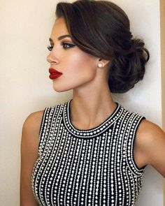 Terrific updo on black hair hair updos Simple Updos For Shoulder Length Hair That Look Amazing Elegant Hairstyles, Bride Hairstyles, Pretty Hairstyles, Hairstyles Haircuts, Hairstyle Photos, Hairstyle Ideas, Hairdos, Classy Hairstyles Medium, Hairstyles Pictures