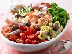 Summer Antipasto http://www.prevention.com/food/cook/20-low-calorie-salads-that-wont-leave-you-hungry/slide/15