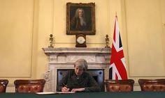 Brexit is officieel: May ondertekent EU-artikel 50 | Buitenland | De Morgen