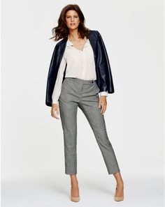 Ankle length pant with neutral heel