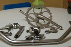 A Bicycle's point of view: How to restore your bicycle- Part 2 Rust Removal, before and after.