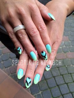 Cute mint ombre Aztec Nails by Paulina MikulskaSemilac 022 Mint, 023 Banana