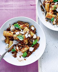 Elly Pear's vegan bolognese-style sauce can be used in all the ways a meaty sauce can be – in a lasagne, on top of spaghetti or served with mashed potatoes. Each way as equally delicious as the other.