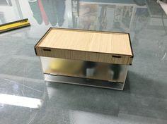 Scatola in Plexiglass e legno