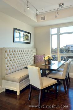 Dining Room decor ideas - small dining room with built-in banquet seating in a tufted upholstery. Small Dining Room Furniture, Dining Room Bench Seating, Kitchen Seating, Kitchen Benches, Dining Nook, Dining Tables, High Back Dining Bench, Banquette Dining, Bench For Kitchen Table