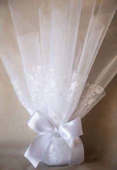Προσκλητήρια γάμου – Μπομπονιέρες γάμου | Wishanddesire Wedding Candy, Wedding Favours, Gift Wedding, Wedding Gifts For Guests, Wedding Guest Book, Wedding 2017, Our Wedding, Flower Decorations, Wedding Decorations