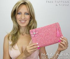 DIY Free Pattern and Tutorial Easy Beginner Crochet Clutch Purse Evening Bag Handbag with Zipper and Liningwith YouTube Video by Naztazia