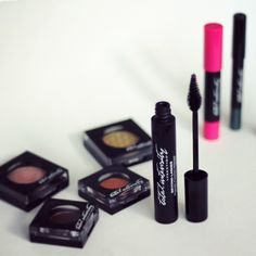 Discover Total Intensity by Prestige available at #Uniprix and enter for a chance to win 9 products from this line at stealibg-beauty.com #totalintensity #giveaway #makeup #swatches #glutenfree #nogluten #noparaben #parabenfree #bbloggerca #bblogger #win