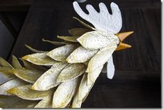 Dyeing of egg trays. Baba Marta, Paper Mache Sculpture, Under The Sea Theme, Bird Art, Paper Flowers, Farmhouse Decor, Paper Art, Eggs, Tableware