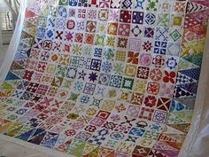 A gloriously quilted Dear Jane quilt on the blog Green Fairy Quilts
