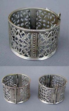 Algeria | Pair of antique silver hinged bracelets or anklets from Mzab, northern Sahara. | ca. early 20th century | 350$