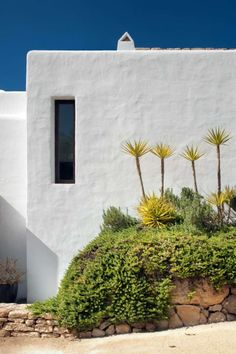 Modern Ibiza home by TG Studio - narrow windows - Home Decorating Trends - Homedit Mediterranean Architecture, Mediterranean Style, Interior Architecture, Interior And Exterior, Mediterranean Houses, Interior Design, Hotel Am Meer, Garden Design, House Design