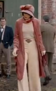 I'm a 1950's clothing fan, but the 1920 outfits Miss Fisher wears are AWESOME! Miss Fisher's Murder Mysteries | Jewel Divas Style