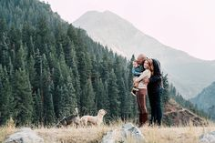 Denver Family Photographer, Denver Family Pictures, Family Pictures in Colorado, Family Picture Outfit Ideas, What to Wear for Family Pictures, Colorado Family Pictures, Family Picture Poses, Best Family Photographer, Family Pictures with dogs